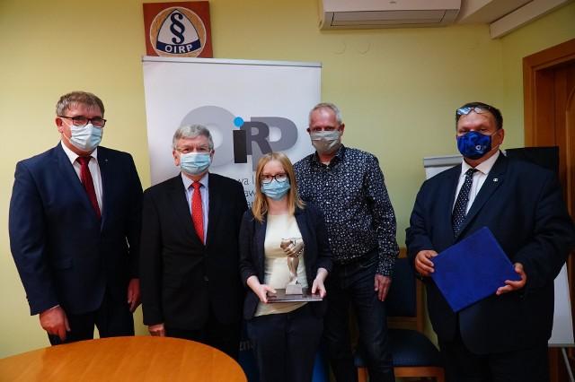Po zsumowaniu wyników cząstkowych, okazało się, że zwyciężyła para ósma, czyli Martyna Kunke i Rafał Szymkowiak. Nagrody odebrali po ponad dwóch miesiącach od wygranej - w poniedziałek, 5 października. Już wiadomo, że odbędą się kolejne edycje turnieju, który zyskał uznanie prezesa KRRP.