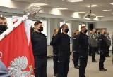 Ślubowanie policjantów. Nowi policjanci zasilili szeregi garnizonu mazowieckiego, 17.03.2021