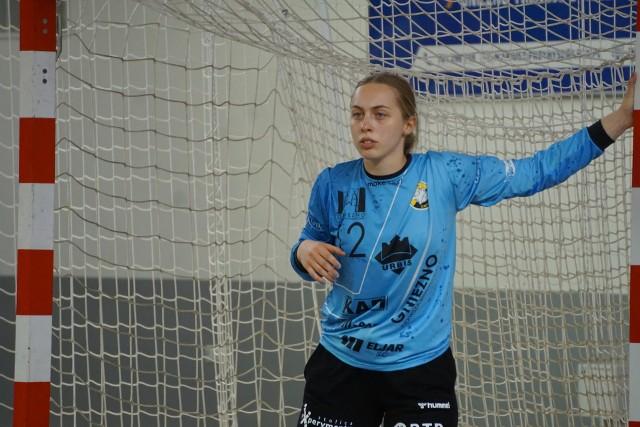 Dominika Hoffman to bramkarka i jedna z nowych twarzy MKS PR URBIS Gniezno, która wielokrotnie powoływana była do narodowej kadry juniorek.
