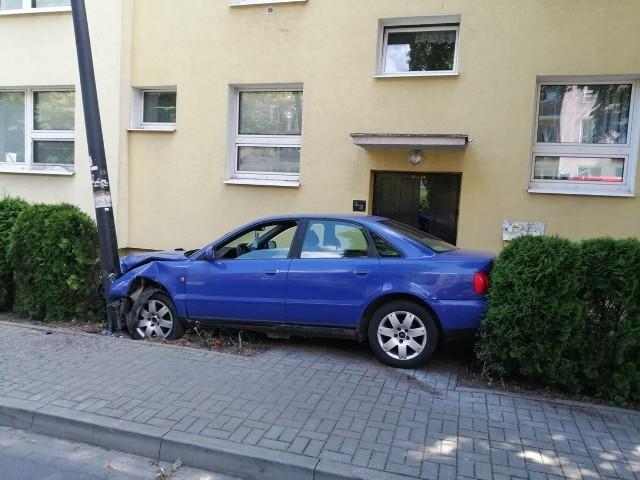 Z relacji świadków wiadomo, że z miejsca zdarzenia zbiegła kobieta, która kierowała pojazdem