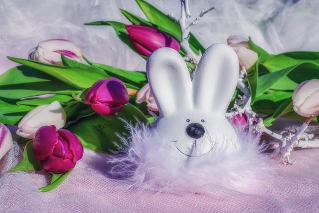 Życzenia wielkanocne 2021. Najpiękniejsze propozycje życzeń na Wielkanoc dla najbliższych, rodziny, przyjaciół i kolegów z pracy [ŻYCZENIA, WIERSZYKI]