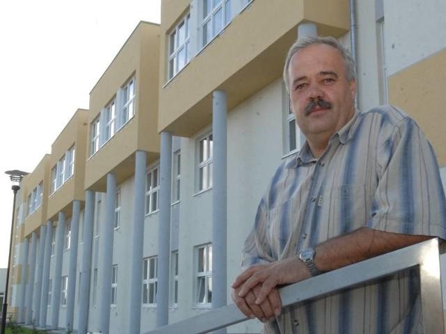 Dyrektor Leszek Naumowicz mówi, że jego szkoła średnia to ewenement: - Niewiele jest teraz takich inwestycji, które powstają od podstaw. Zazwyczaj to rozbudowa lub przebudowa.
