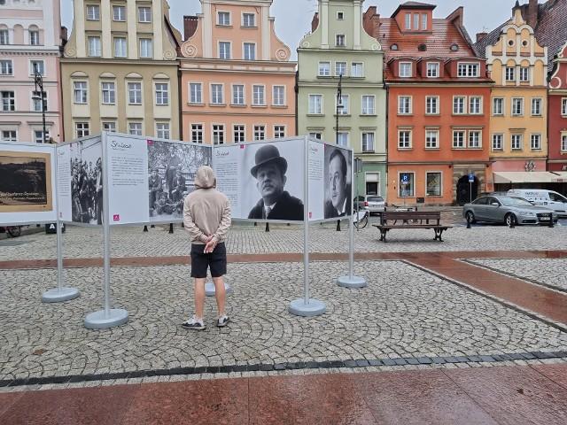 Na Placu Solnym stanęła wystawa opisująca historię Powstań Śląskich