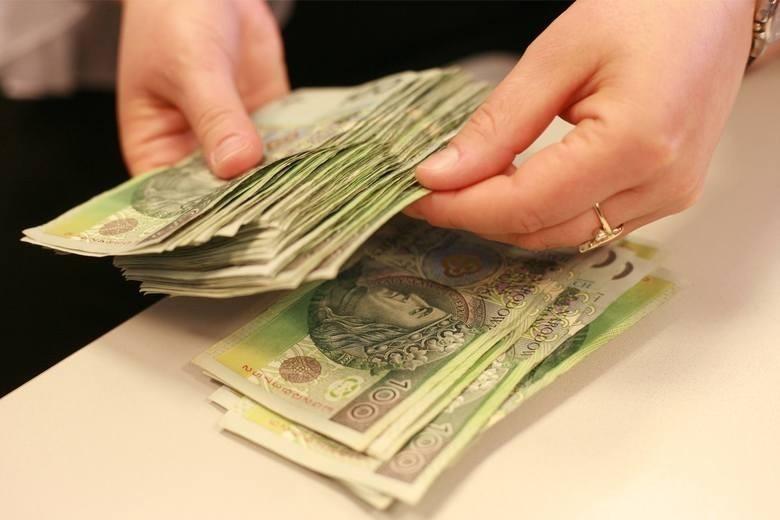 Według obecnych przepisów płaca minimalna na poziomie 3000...
