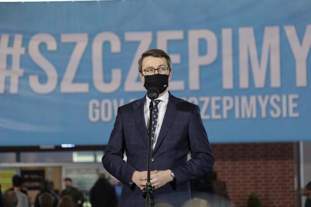 Rzecznik prasowy rządu Piotr Müller.