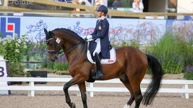 Aleksandra Szulc z Klubu JeździeckiegoGolden Dream została wicemistrzynią Polski w ujeżdżeniu