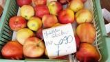 Ceny jabłek w Katowicach poszybowały w górę! Prawie 8 zł za kilogram. Bardzo drogie są też jagody