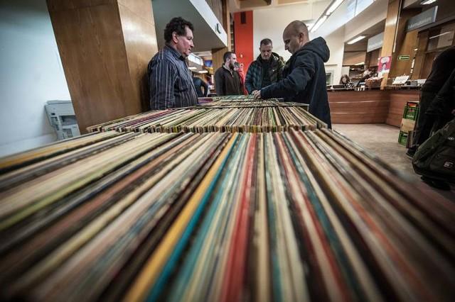 Ostatnia Płytowa Giełda GraMuzyka odbyła się w Koszalińskiej Bibliotece Publicznej w lutym 2020 roku.