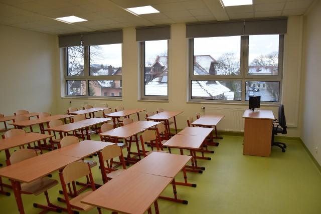 Szkoły pozostają puste, zajęcia są zawieszone