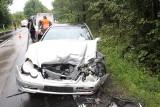 Wypadek w Kluczach. Na drodze wojewódzkiej numer 791 doszło do zderzenia pięciu pojazdów. Kobieta w ciąży trafiła do szpitala