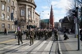 """W Poznaniu uczczono pamięć żołnierzy wyklętych. """"O jednej rzeczy nie zapomnę nigdy - o swoich kolegach, którzy byli zamordowani"""""""