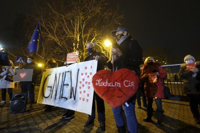 W czwartek poznaniacy zamanifestowali swoją solidarność z byłą prezenterką TVP Poznań