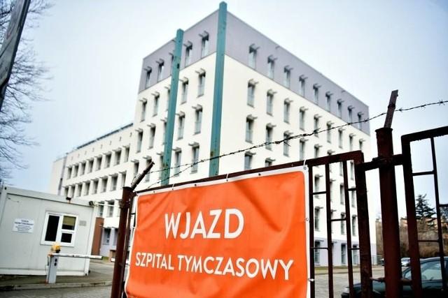 W środę rano w szpitalu tymczasowym w Radomiu było pięć wolnych łóżek covidowych, ale bez dostępu do instalacji tlenowej.