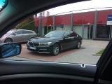 BMW wicepremiera parkuje na miejscu dla niepełnosprawnych. Bo nie było miejsca... [ZDJĘCIA]
