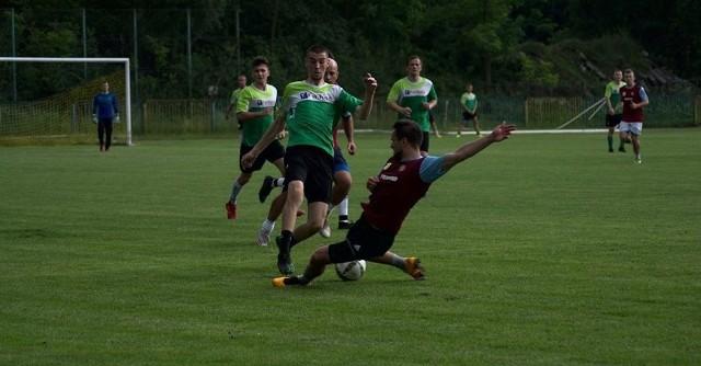 Trenowanie i rozgrywanie sparingów mogą rozpocząć między innymi piłkarze Stali Nowa Dęba oraz Wisanu Skopanie