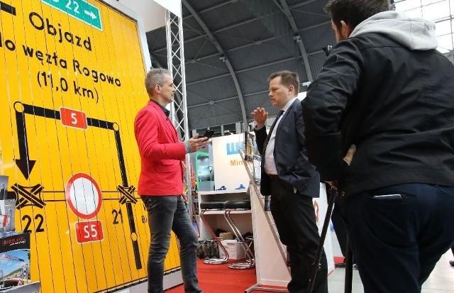 Na jednym ze stoisk we wtorek gości Zbigniew Urbański, dziennikarz zajmujący się najnowszymi technologami i elektroniką.