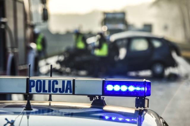 Do najgroźniejszego zdarzenia w piątek (3 lipca) doszło w Buszkowie, gdzie dachowało auto osobowe.