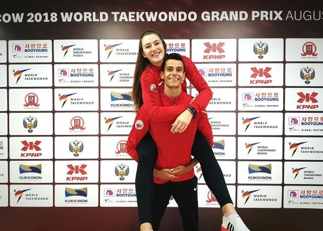 Karol Robak nie stanął na podium w Moskwie, ale przynajmniej w spontaniczny sposób fetował zwycięstwo klubowej koleżanki