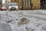 Kraków. Paraliż komunikacyjny z powodu zimy. Służby się tłumaczą, że to przez anomalia pogodowe [ZDJĘCIA]