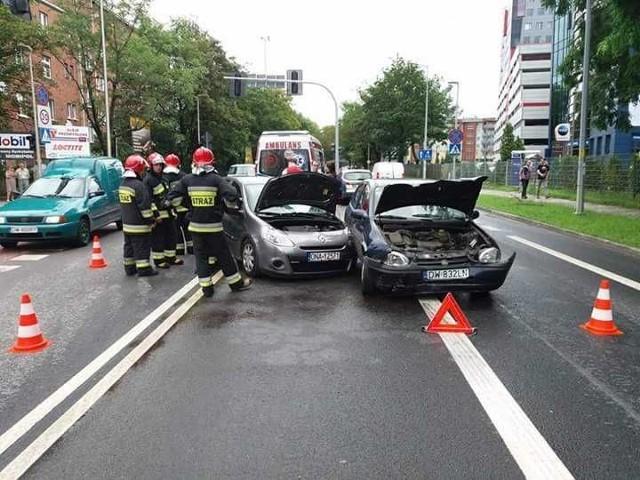 Wypadek na skrzyżowaniu Strzegomskiej i Jaworskiej