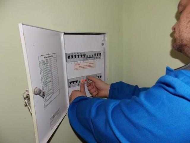 LicznikiLicznik to podstawa. Operator wystawi wyższy rachunek lub nałoży na odbiorcę karę, gdy ten pobiera energię elektryczną bez zawarcia umowy albo pobiera prąd z pominięciem licznika.