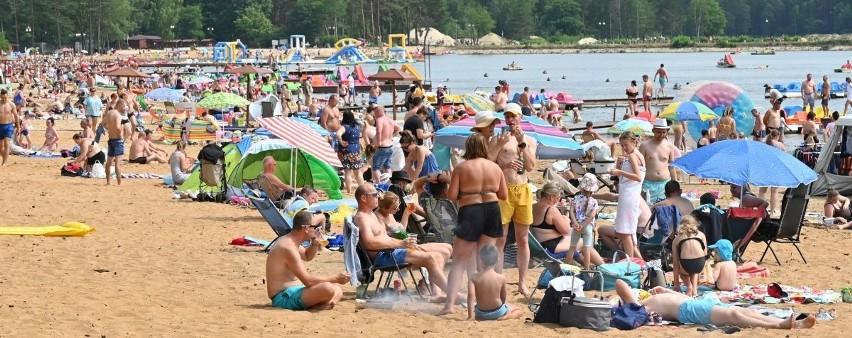 Mnóstwo osób korzystało w niedzielę, 11 lipca z uroków...