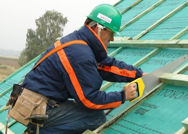 Prace na dachuRemont dachu a prawo budowlane
