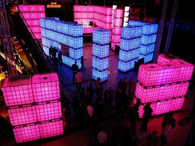 Miasteczko świetlne Berlin Blue Nights powstanie w patio 13muz ramach festiwalu inSPIRACJE