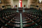 Sejm: Posłowie PiS, PSL i Lewicy przegłosowali zmiany w regulaminie. W piątek zdalne posiedzenie ws. Tarczy Antykryzysowej