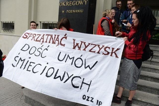 Pikieta sprzątaczek z UAM: Nadal nie otrzymały należnych pensji