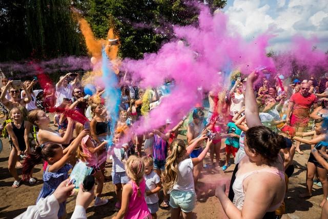 Plaża w Pieczyskach oficjalnie otwarta w sobotę 17 lipca. Działo się sporo
