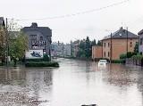 Burze na Śląsku. Potężna ulewa nad Pszowem w powiecie wodzisławskim. Rzeka płynęła drogą