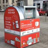 Będzin. Są nowe pojemniki na elektrośmieci. Dzięki temu, że wrzucimy tam zużyty sprzęt czy baterie potem w mieście staną... ule