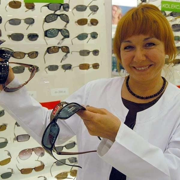 - Ludzie od dawna stosowali różne metody by chronić wzrok przed słońcem - mówi lek. med. Ewa Dąbrowska.