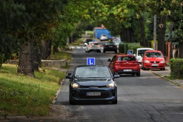 Problem z nadmiernym nasyceniem samochodami nauki jazdy okolic Wojewódzkiego Ośrodka Ruchu Drogowego znany jest od lat.