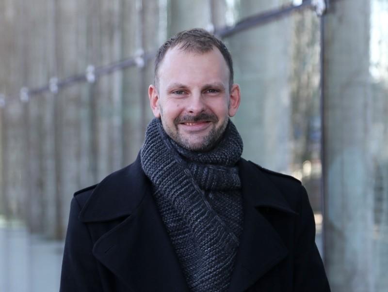 Damian Tanajewski od sierpnia 2014 roku pełni obowiązki dyrektora OiFP. Teraz wygrał konkurs na to stanowisko