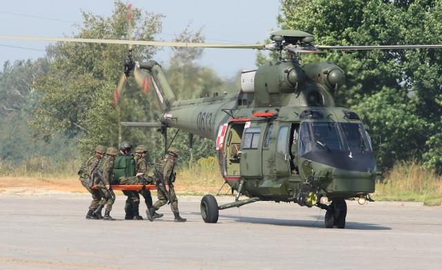 W piątek w Targach Kielce odbywały się wojskowe manewry przed rozpoczynającymi się w poniedziałek, 3 września, targami obronnymi. Symulowano akcję ewakuacji rannego w czasie patrolu.