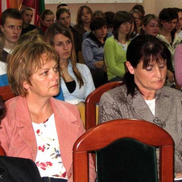 Wtorkowej konferencji przysłuchiwało się około 100 studentów Akademii Ekonomicznej w Dębicy. Spotkanie zorganizowało studenckie Koło Inwestycji Giełdowych - Hossa.