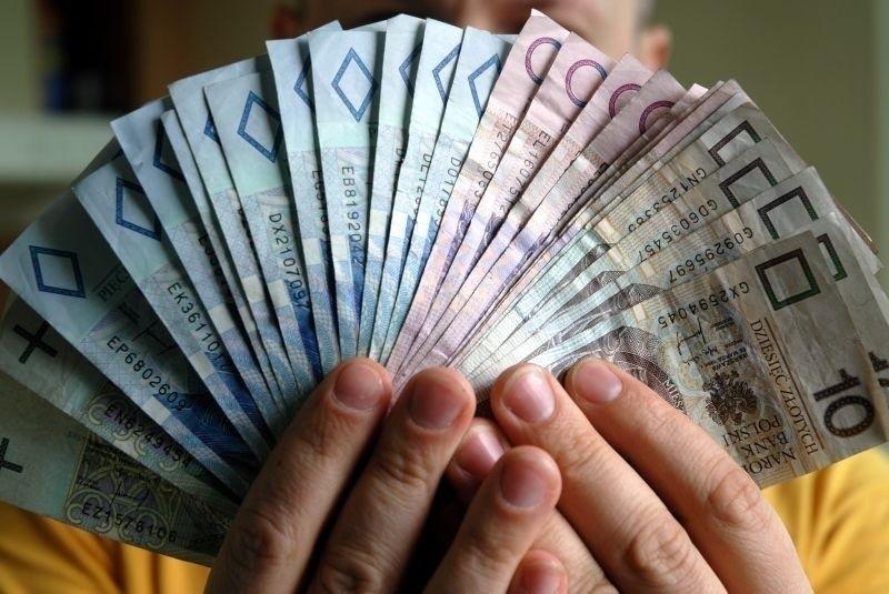 Płaca minimalna w 2021 roku zostanie podwyższona o 200 zł....