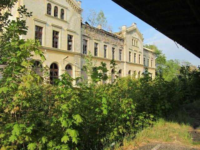 Tak wygląda dziś dworzec w Głubczycach.