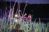 Wędkarz utonął w jeziorze w Prusimiu. Jego ciało w nocy odnaleźli nurkowie