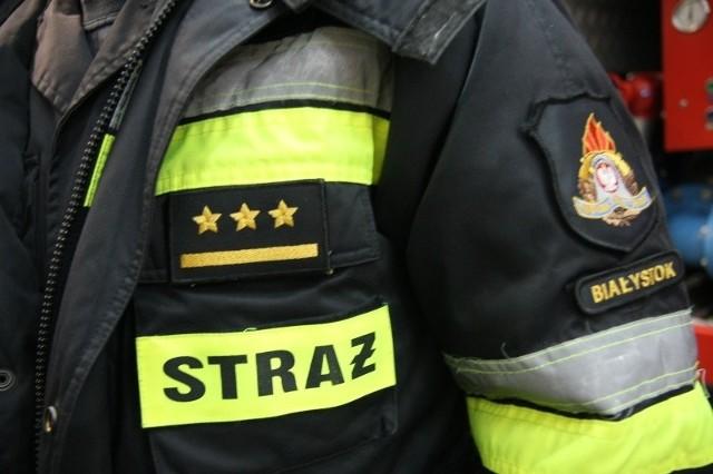 Przy uwalnianiu zakleszczonej osoby strażacy użyli narzędzi hydraulicznych