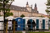 Wrocławianie chcą więcej toalet. Murowanych