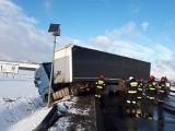 Wypadek pod Kobierzycami. Droga Wrocław - Kłodzko zablokowana (ZDJĘCIA)