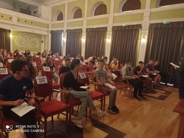 W konkursie wiedzy o wojnie polsko-bolszewickiej udział wzięło szesnastu uczniów. Ich wiedzę oceniało profesjonalne jury.