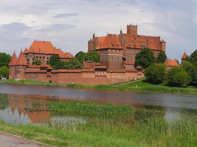 Celem utworzenia strefy buforowej wokół zamku jest to, by inne obiekty nie zaburzały panoramy zabytku UNESCO