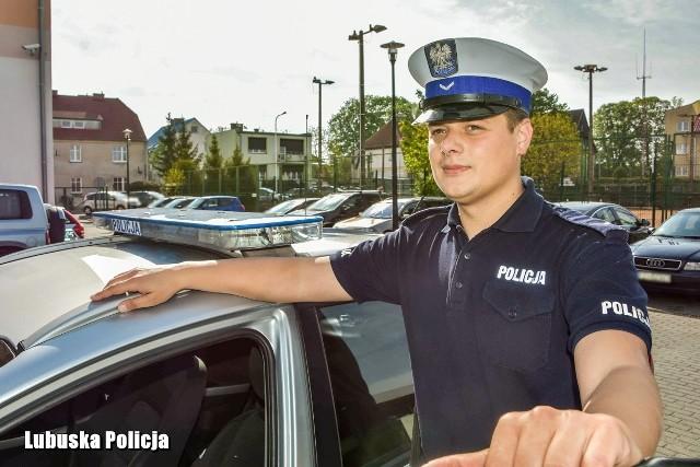 Sierż. Michał Obała służy w Policji od 2016 roku. Od początku w Wydziale Ruchu Drogowego Komendy Powiatowej Policji w Świebodzinie.