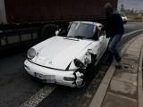 Wypadek trzech samochodów na rondzie przy AOW (ZDJĘCIA)