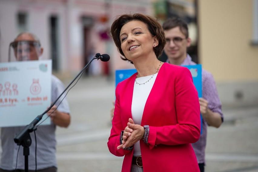Koronawirus. Praca zdalna będzie mogła być też na wniosek pracownika - zapowiada minister rodziny Marlena Maląg. Trzeba zmienić Kodeks pracy