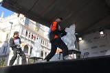 """Poznań Ice Festival: Trwa pierwszy dzień zmagań. Co w sobotę """"wyczarują"""" rzeźbiarze?"""